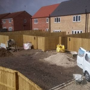 New builds contract work garden fencing